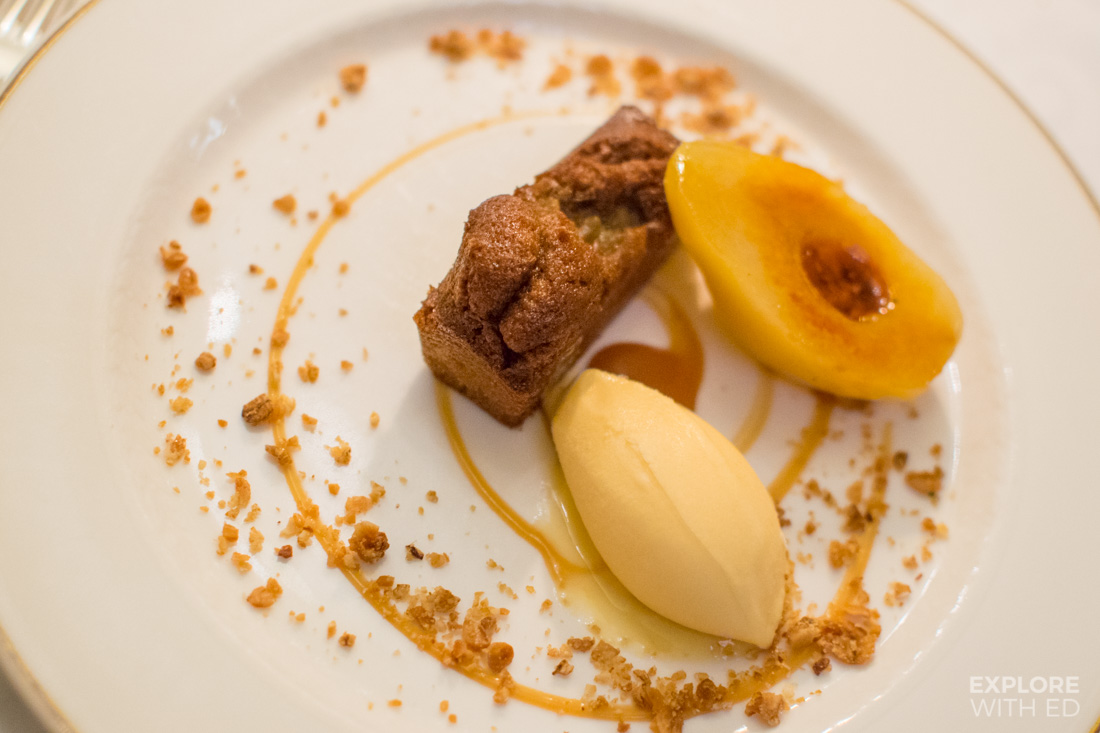 Luxury dessert, Ginger cake and pear