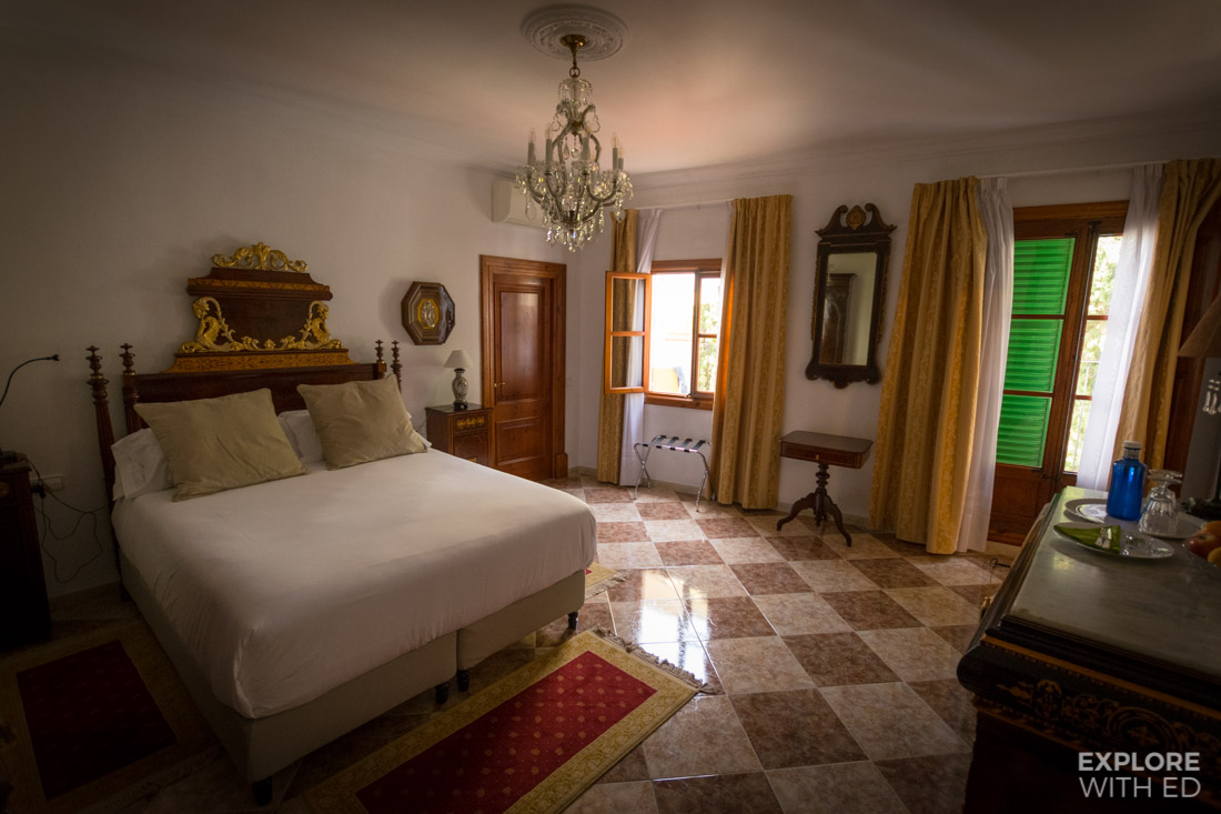 Double bedroom in Casa Delmonte Hotel