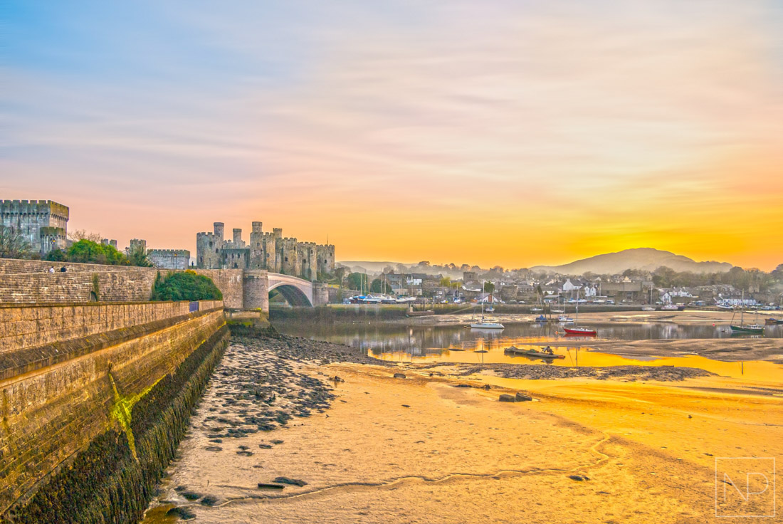 Sunset in Conwy, Castle on the hill
