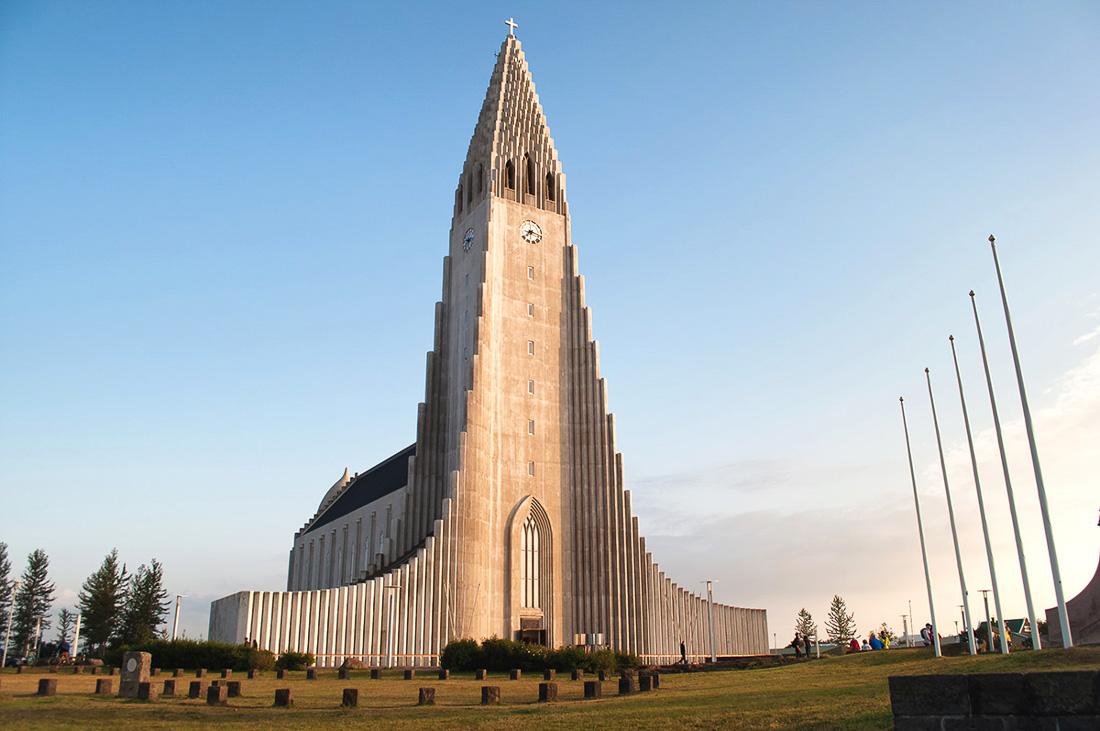 The Hallgrímskirkja church by travel blogger Lucy Dodsworth