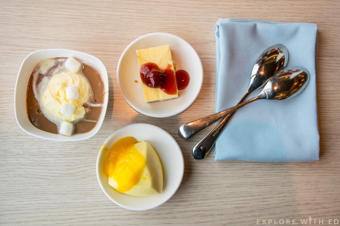 P&O cruises Ventura Buffet, Cakes, Desserts