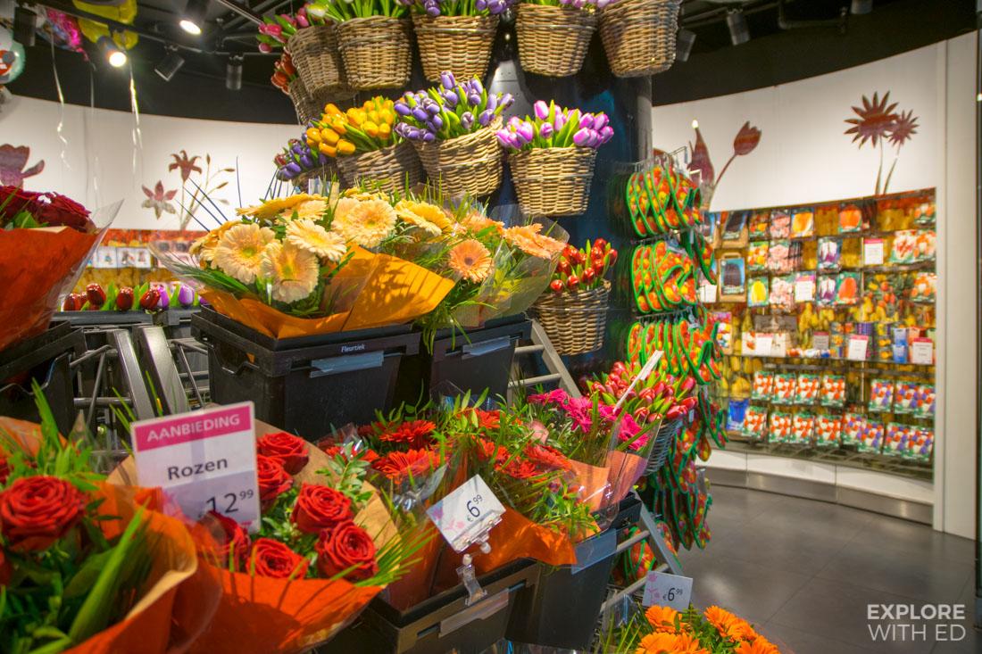 Dutch Tulip shop in Schiphol Airport