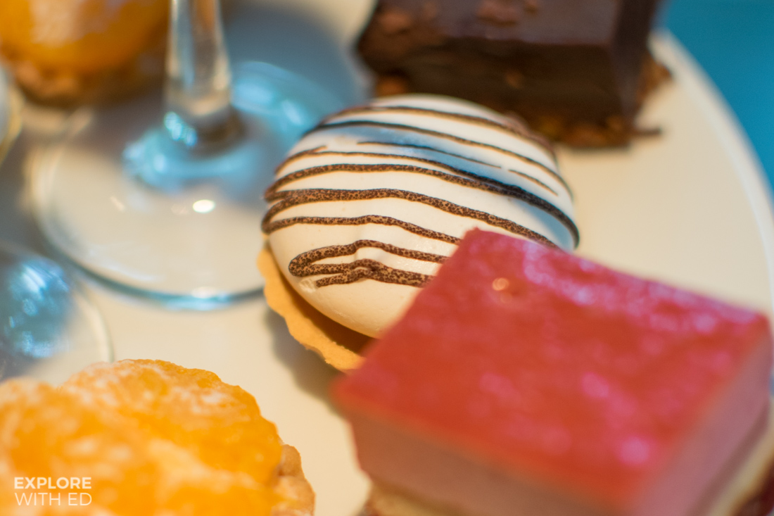 Miniature cakes and pastries